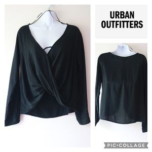🔥Urban Outfitters twist front top